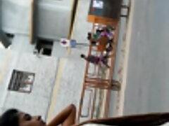 আইফোন বাসর ঘরের সেক্স ভিডিও বেদীর উপর ভিডিওতে তিনি